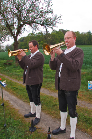 Unterhaltung am Hopperain in Blankenau