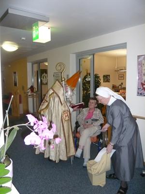Nikolausbesuch im Hospiz St. Elisabeth