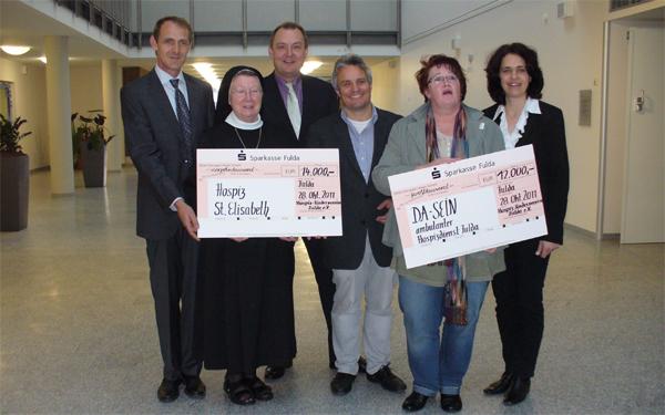 26.000 Euro-Spende für zwei Hospize