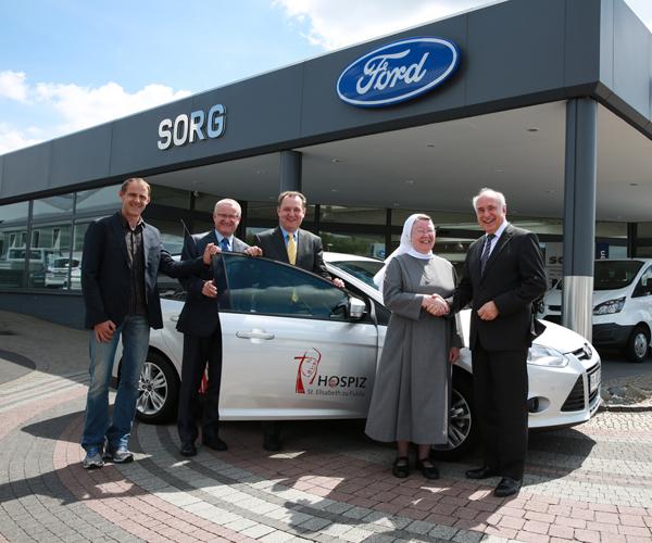 HOSPIZ St. Elisabeth erhält neues Fahrzeug