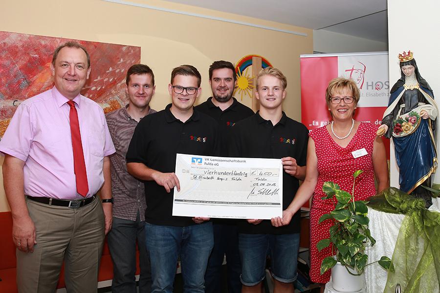 Das Foto zeigt von links: Ansgar Erb, Dominik Hohmann, Michael und Nikolai Schlereth, Philipp Flügel, Dagmar Pfeffermann