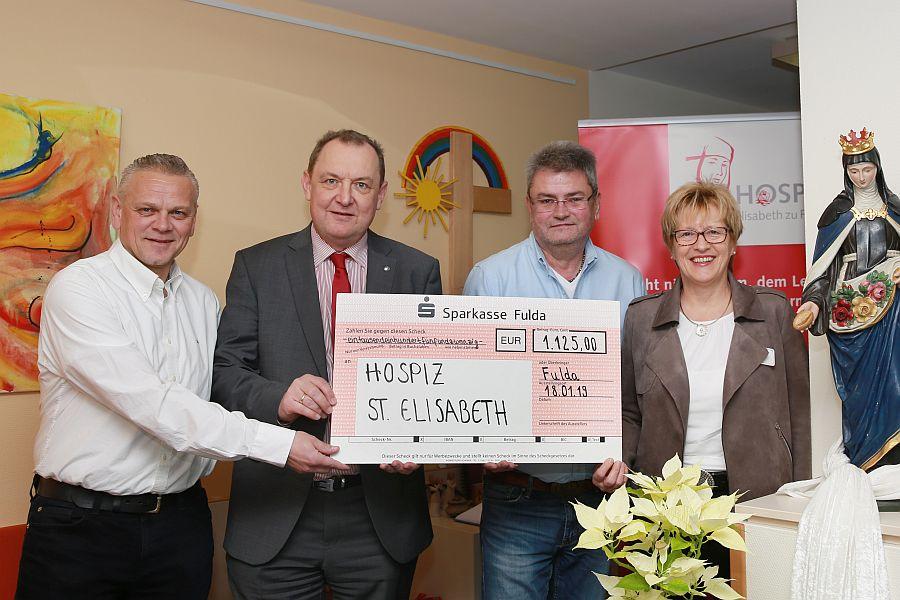 Belegschaft Bickhardt Bau spendet an Hospiz